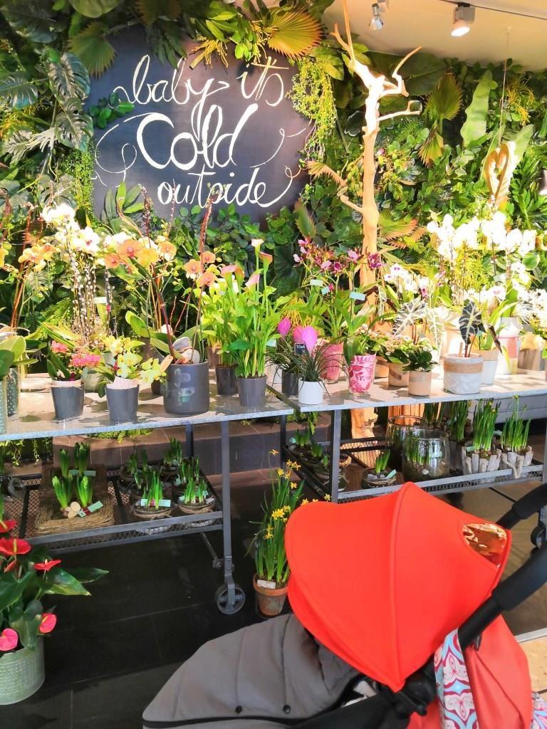 Flower shop in Geneva Airport