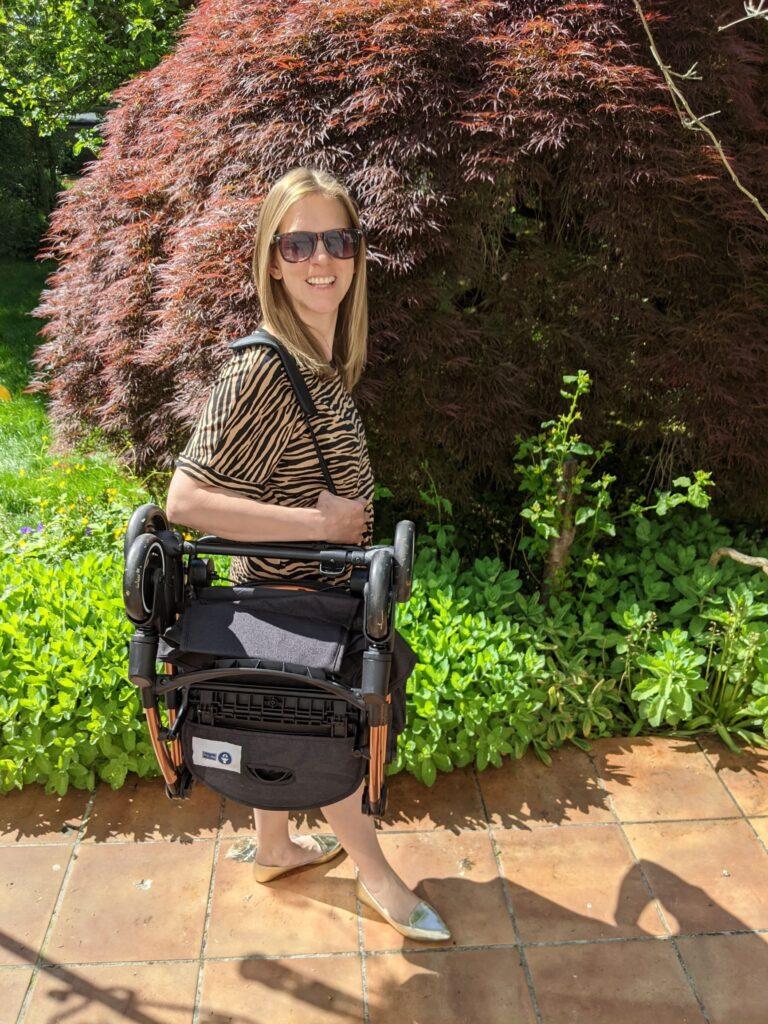 Ickle Bubba Globe stroller folded
